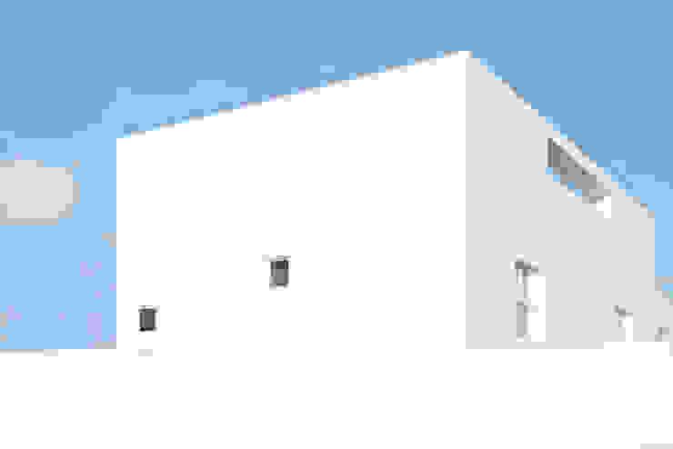 Rumah Minimalis Oleh GLR Arquitectos Minimalis