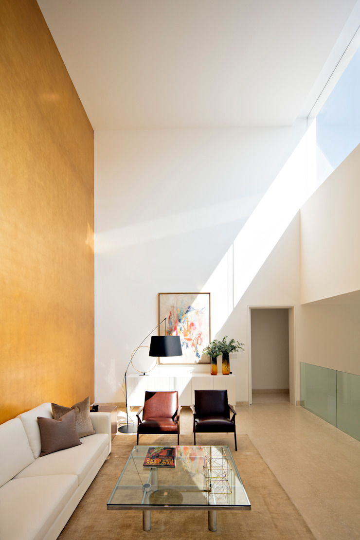 Ruang Keluarga Minimalis Oleh GLR Arquitectos Minimalis Perak/Emas