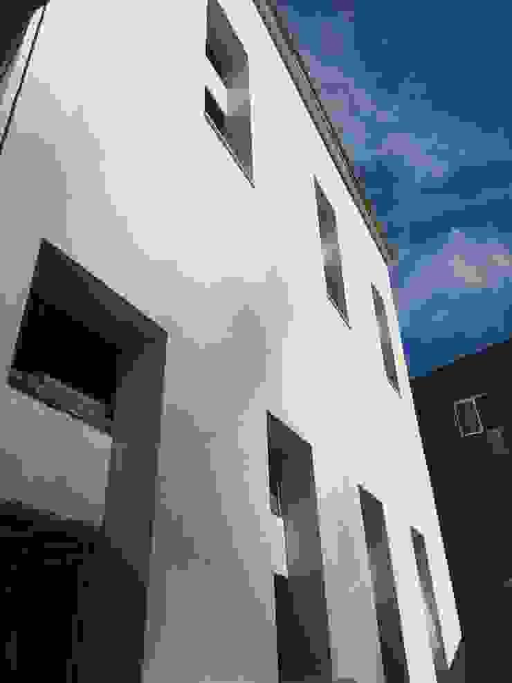 PROJETARQ Rumah Modern