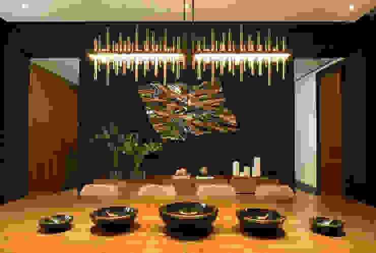 GLR Arquitectos Modern dining room Wood Wood effect