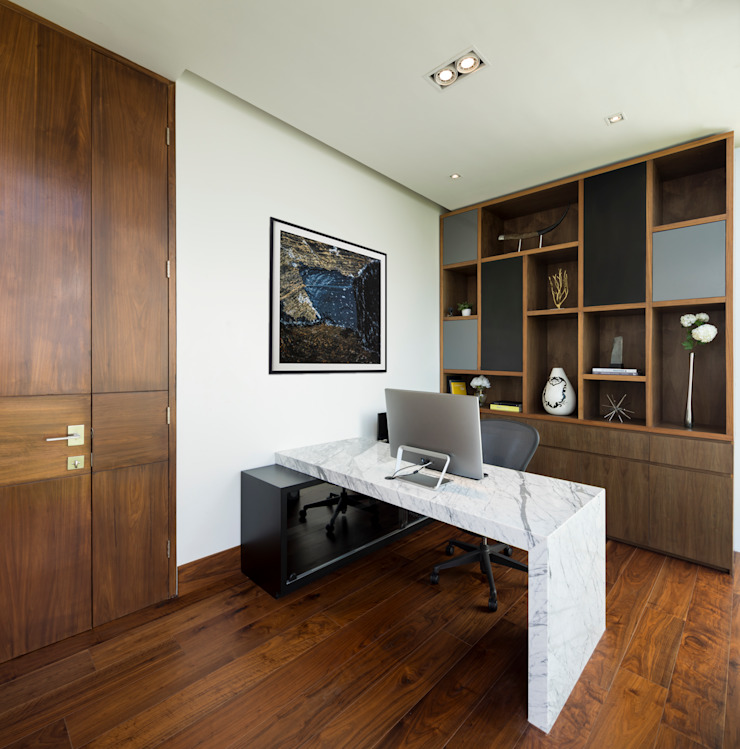 GLR Arquitectos Modern style study/office Wood Wood effect