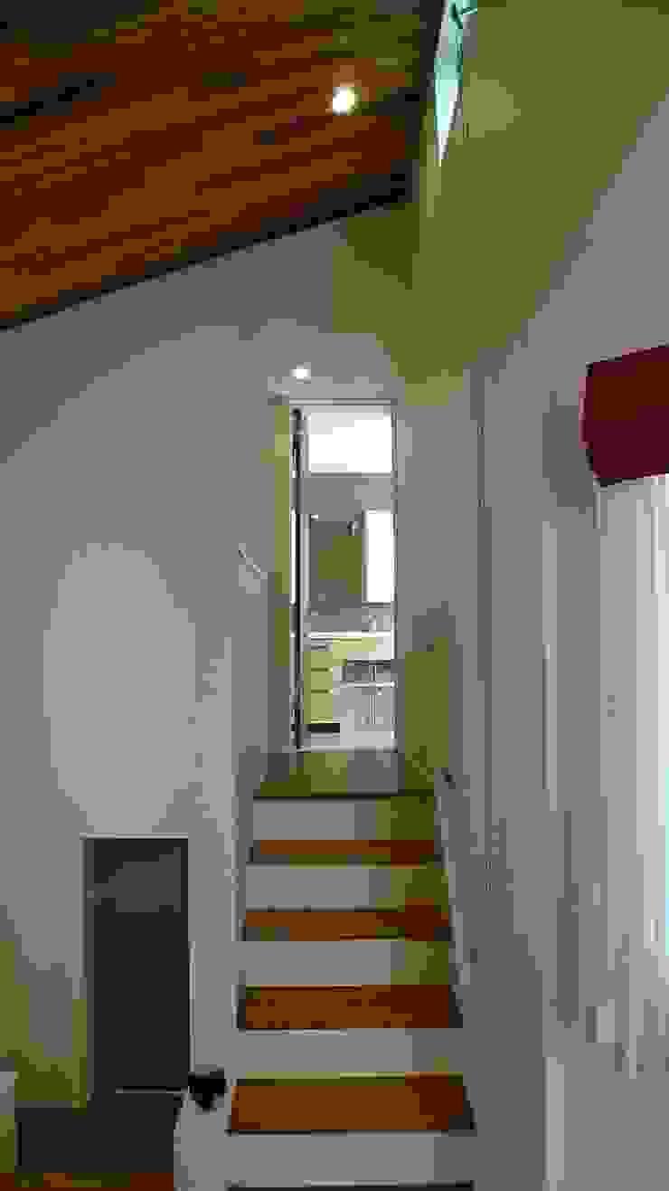 スキップフロアの画像 滝沢設計合同会社 階段 木 木目調