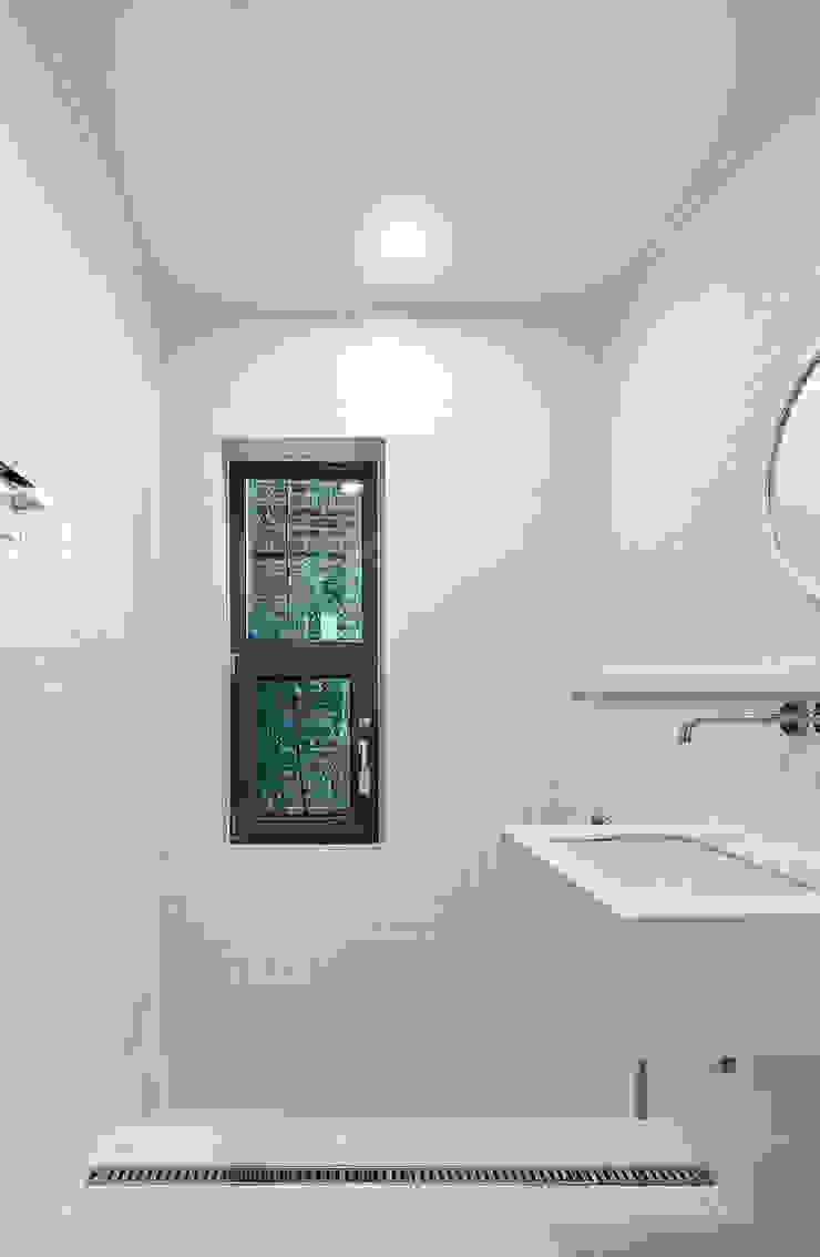 공용욕실 모던스타일 욕실 by 건축사사무소 카안 |Architect firm KAAN 모던