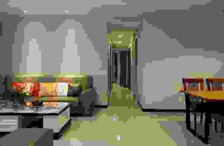 客廳/走道 根據 果仁室內裝修設計有限公司 古典風