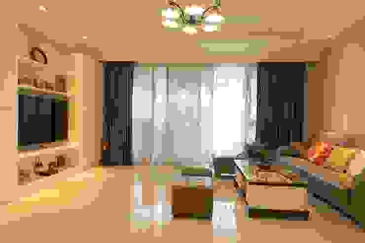 客廳/窗簾 根據 果仁室內裝修設計有限公司 古典風