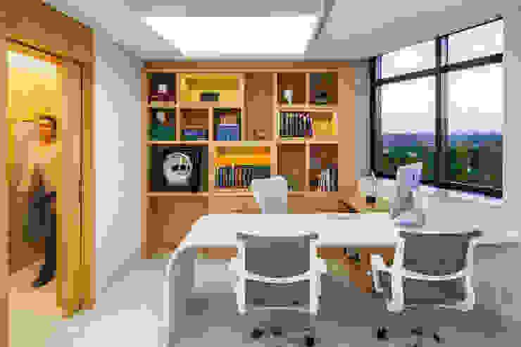 Escritórios comerciais por GeterBrasil Moderno