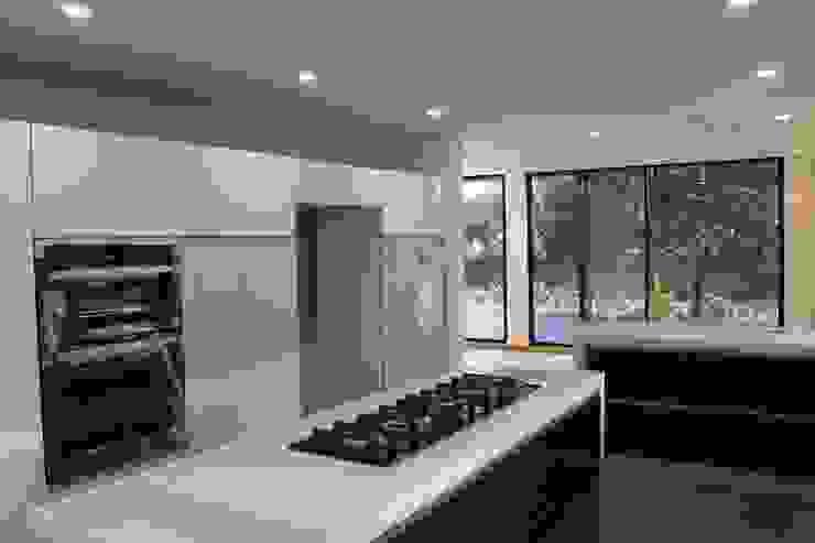 cocina Cocinas modernas de IngeniARQ Arquitectura + Ingeniería Moderno