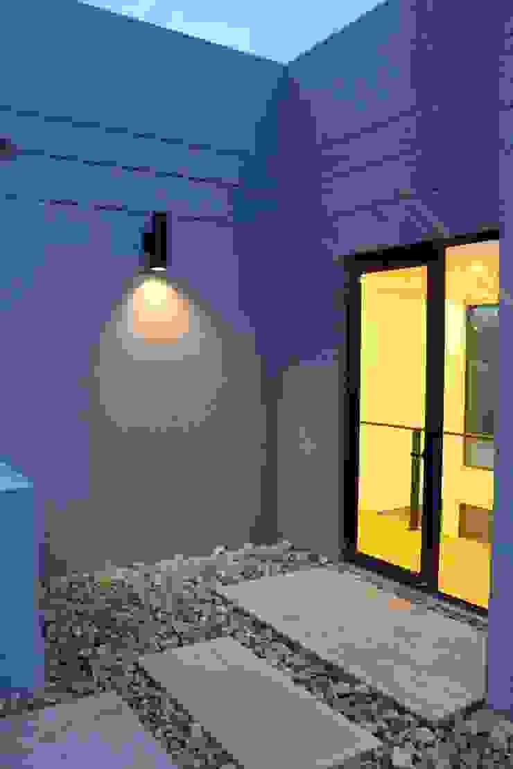 terraza 2 Balcones y terrazas de estilo moderno de IngeniARQ Arquitectura + Ingeniería Moderno