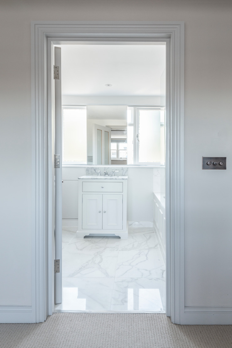 Three Storey Maisonette—Chelsea Prestige Architects By Marco Braghiroli Classic style bathroom