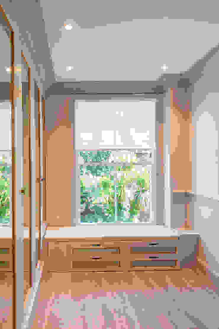 Three Storey Maisonette—Chelsea Prestige Architects By Marco Braghiroli Classic style dressing room