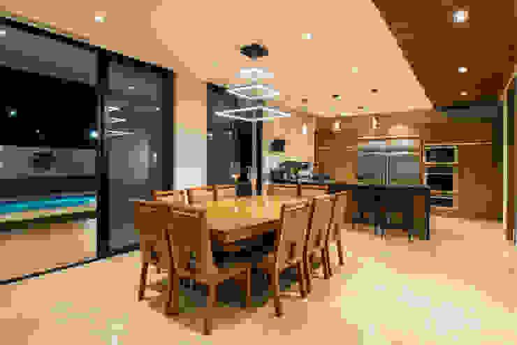 Comedores de estilo moderno de Nova Arquitectura Moderno