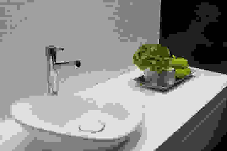 Baños modernos de Perfect Home Interiors Moderno