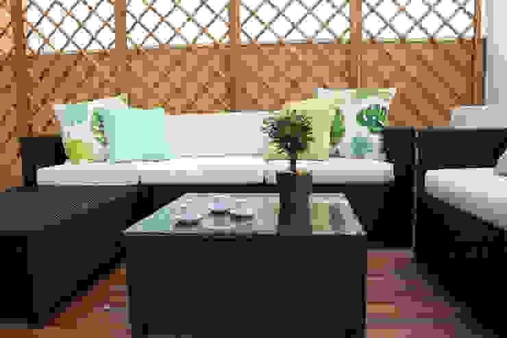 Balcones y terrazas mediterráneos de Perfect Home Interiors Mediterráneo