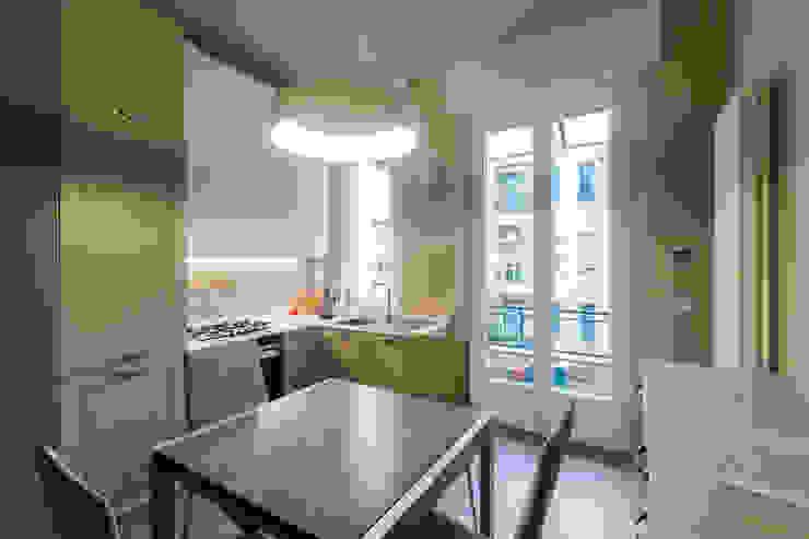 مطبخ ذو قطع مدمجة تنفيذ Ristrutturazione Case, حداثي