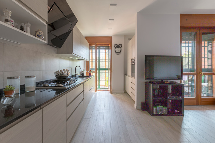 Built-in kitchens by Ristrutturazione Case