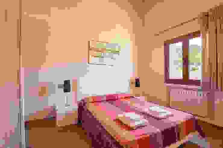 Dormitorio Dormitorios de estilo mediterráneo de Diego Cuttone, arquitectos en Mallorca Mediterráneo