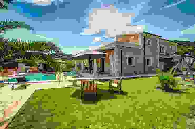 Jardín con piscina de Diego Cuttone, arquitectos en Mallorca Mediterráneo