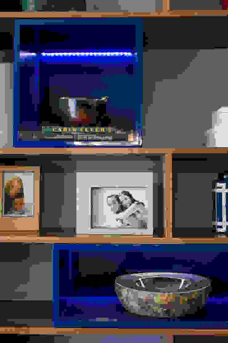 Detalle de mueble diseñado, se ilumina! de Moon Design