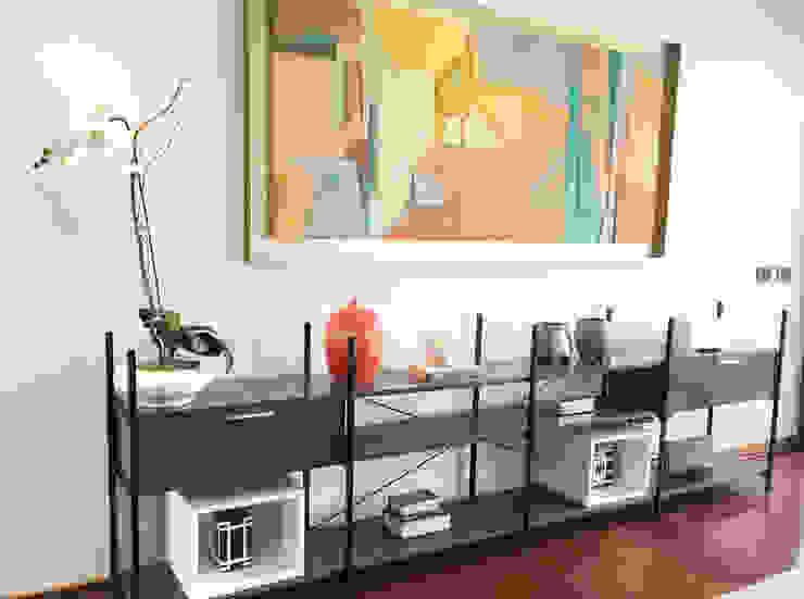 Vista mueble diseñado especialmente para nuestros clientes Livings de estilo moderno de Moon Design Moderno