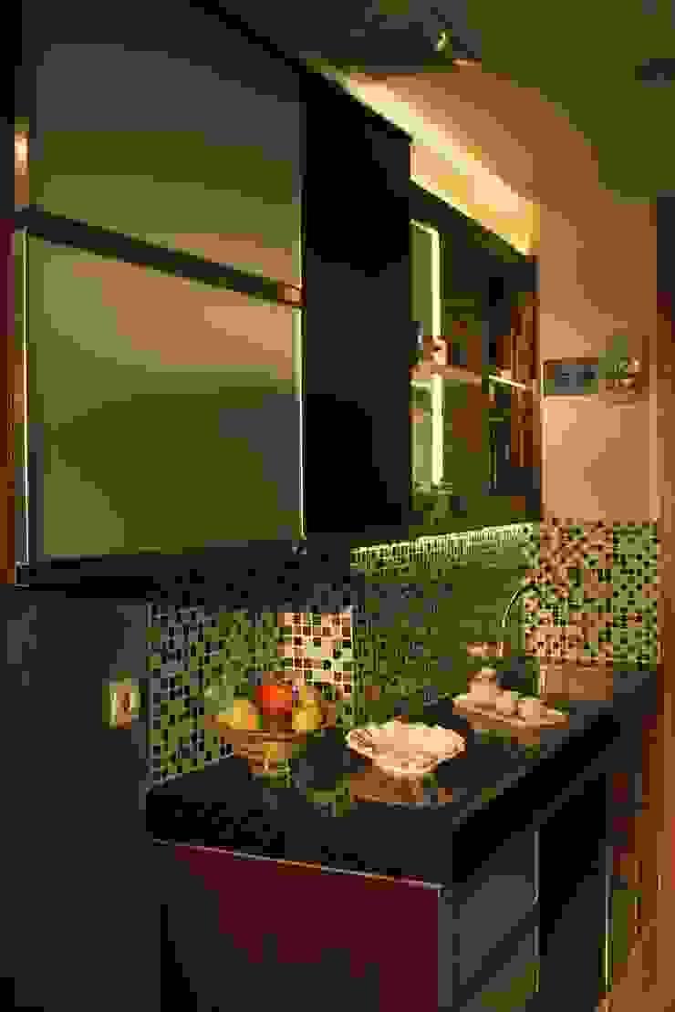 BEVERLY – Honeycomb Studio Dapur Modern Oleh POWL Studio Modern