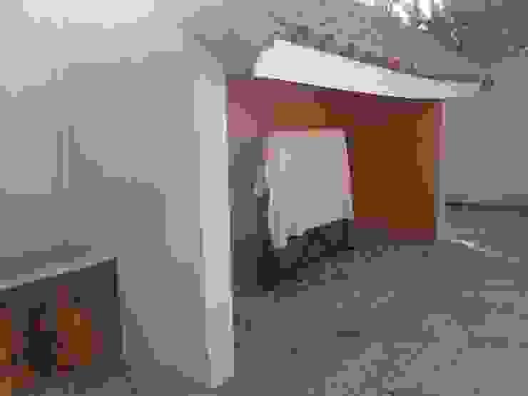 Casa estilo Chileno por DAMRA Balcones y terrazas mediterráneos de DIEGO ALARCÓN & MANUEL RUBIO ARQUITECTOS LIMITADA Mediterráneo