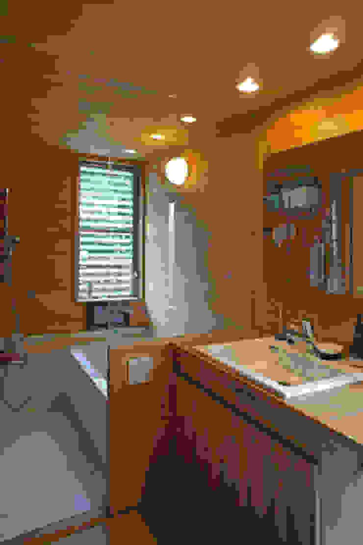 環境創作室杉 Eclectic style bathrooms