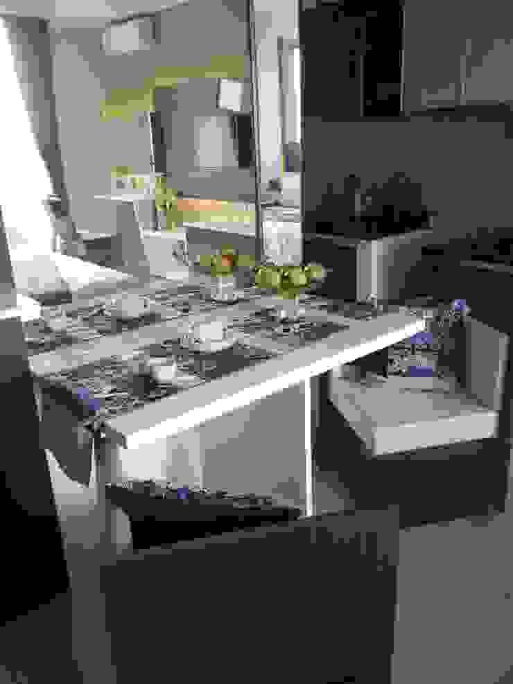 Dago Suite – Batik studio Ruang Makan Klasik Oleh POWL Studio Klasik