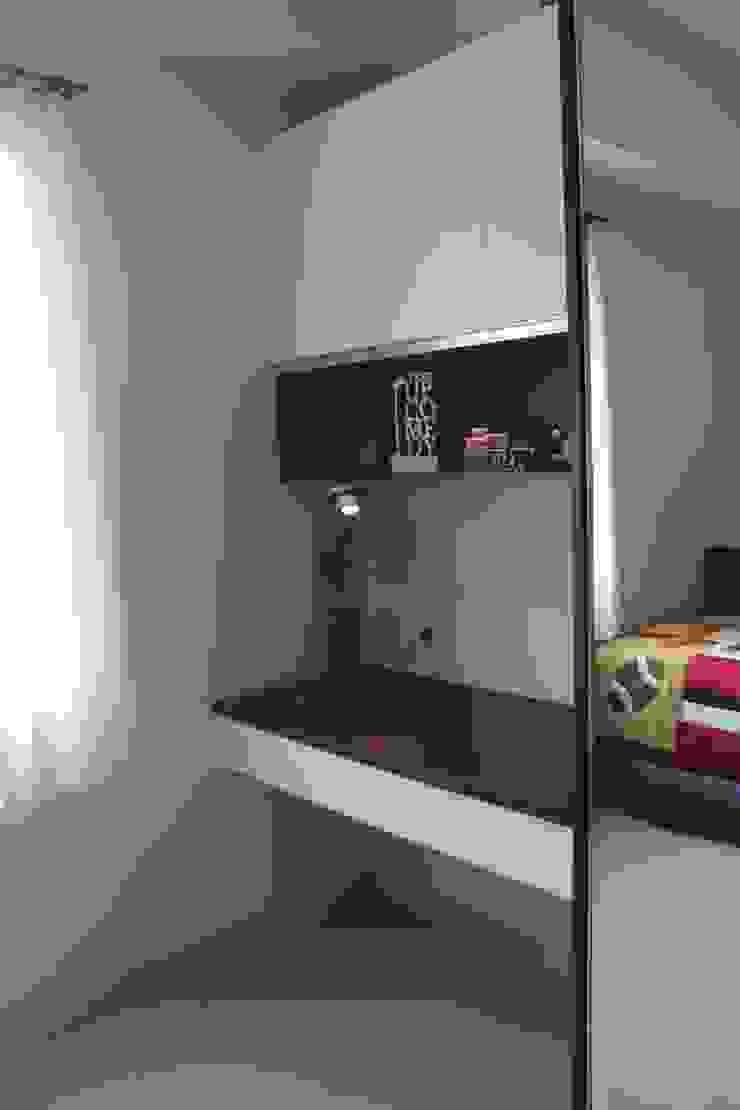 Galeri Ciumbuleuit II – Tipe 2 Bedroom:modern  oleh POWL Studio, Modern