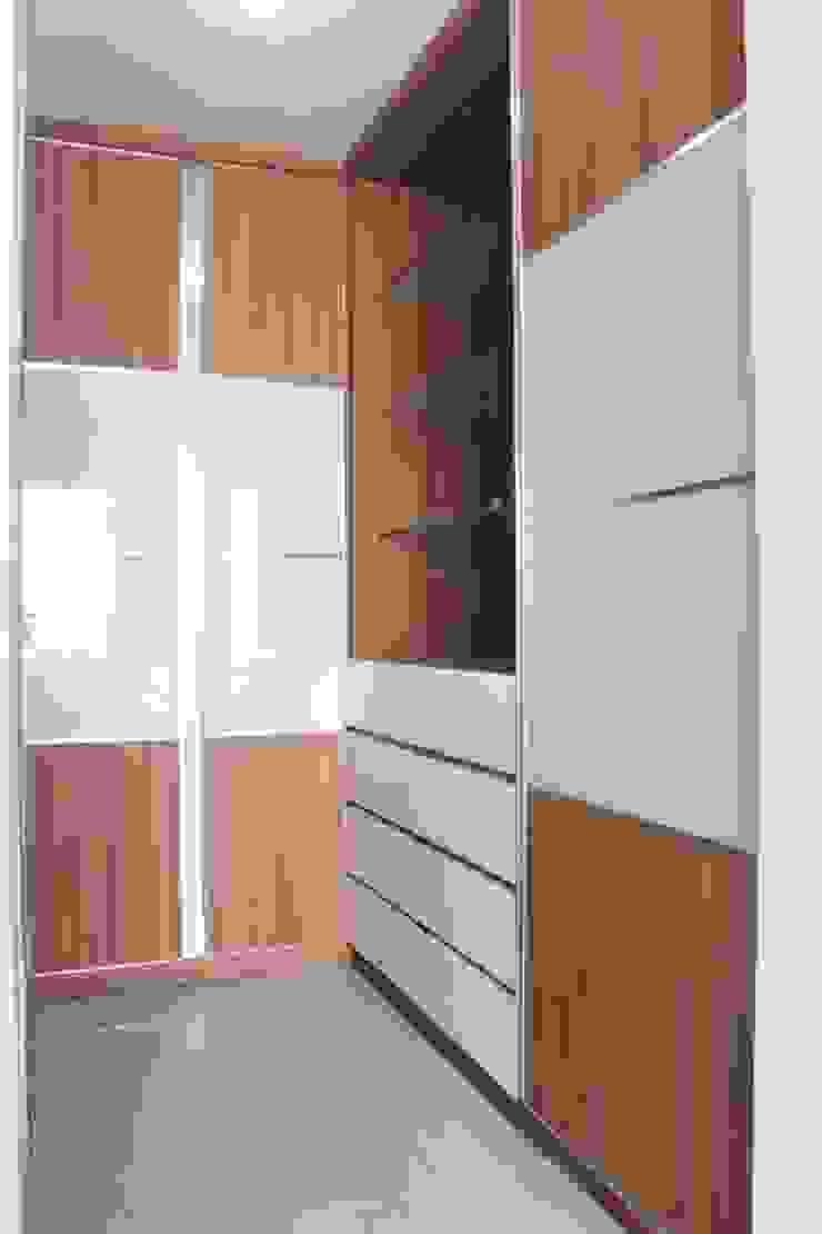 Galeri Ciumbuleuit III – Tipe 3 bedroom:modern  oleh POWL Studio, Modern