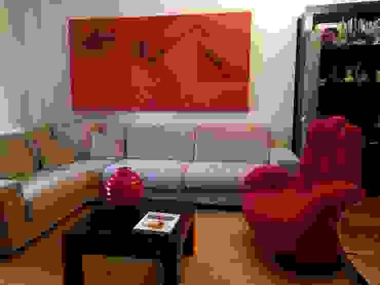 Un tocco di rosso Carla Gatto Soggiorno moderno Rosso