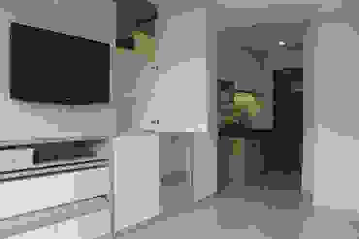 Galeri Ciumbuleuit III - Tipe Loft: Household oleh POWL Studio,