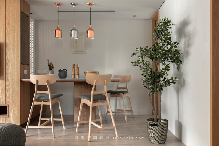 dinning area Asian style dining room by 湜湜空間設計 Asian Wood Wood effect