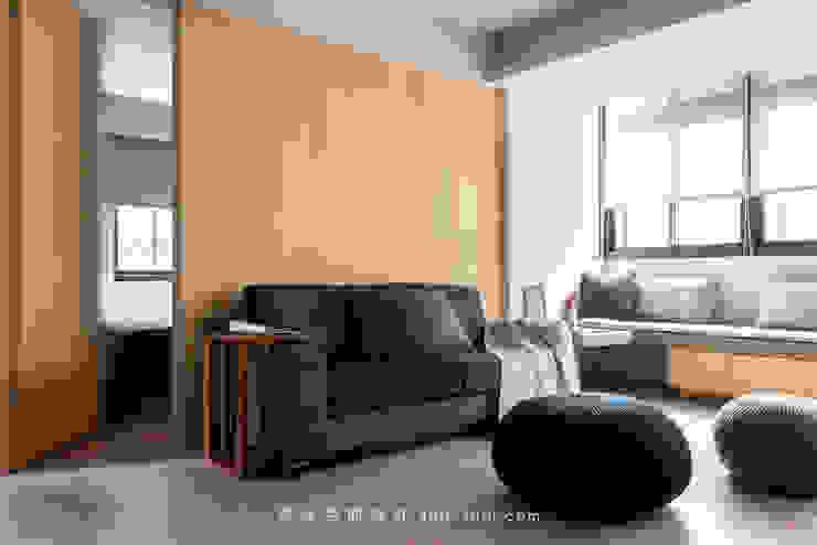 living room 根據 湜湜空間設計 日式風、東方風 合板