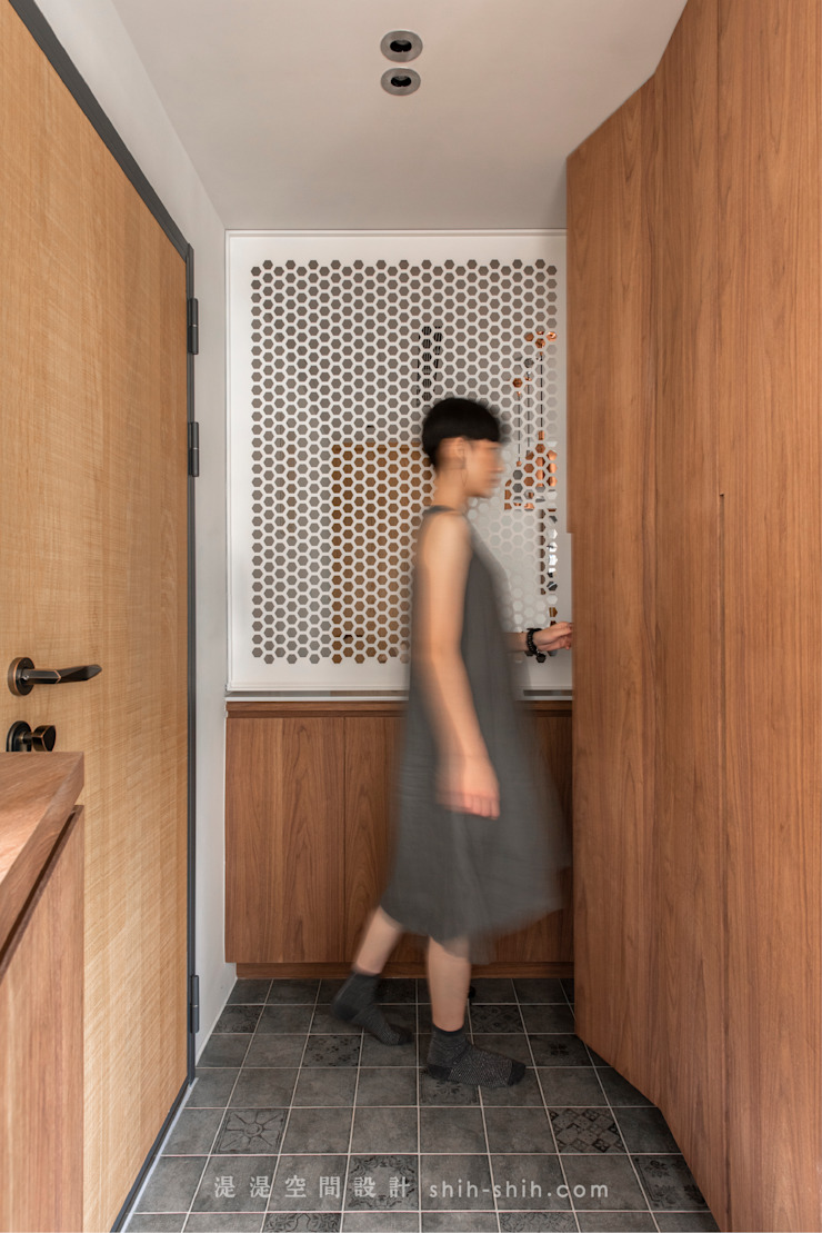 entrance 亞洲風玄關、階梯與走廊 根據 湜湜空間設計 日式風、東方風 合板