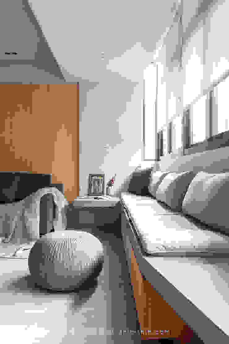 living area 根據 湜湜空間設計 日式風、東方風 水泥