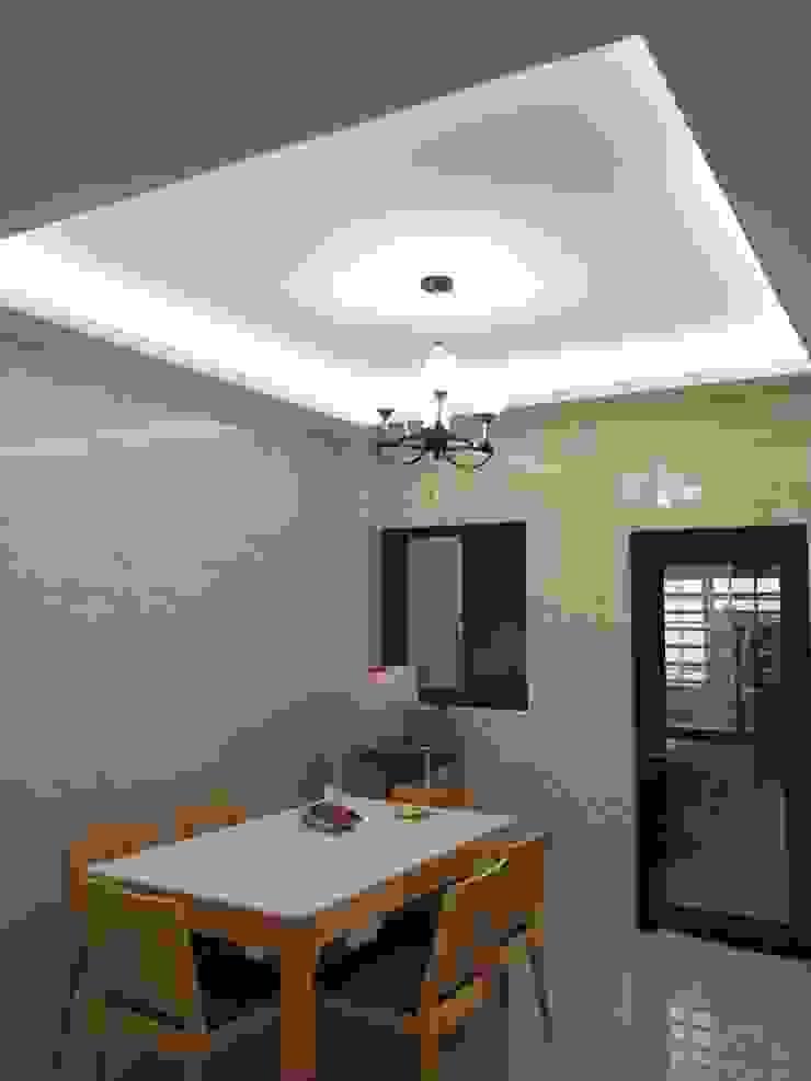 Comedores minimalistas de 頂尖室內設計工程行 Minimalista