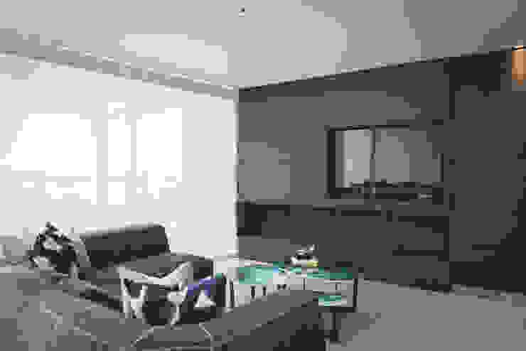 Casa de Playa de Cecilia Fernandini Estudio Moderno
