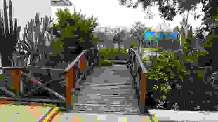 Remodelación de Pescadero Comedores de estilo tropical de Artekpro Tropical