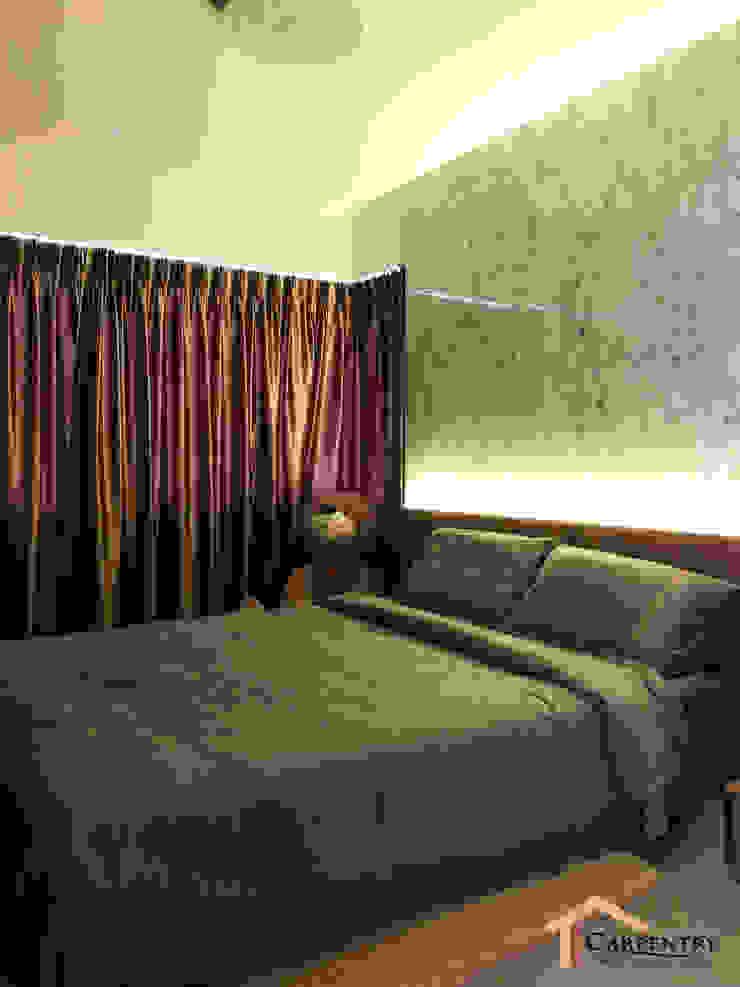 Contemporary style at Tenteram Peak Modern style bedroom by Singapore Carpentry Interior Design Pte Ltd Modern