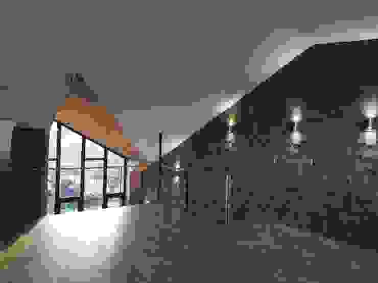 ALTILLO RESTAURANTE PATIO CONDELL Comedores de estilo moderno de U.R.Q. Arquitectura Moderno