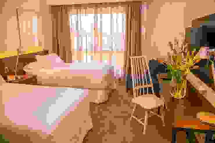Vista General Dormitorio 2 Cuartos de estilo clásico de Moon Design Clásico