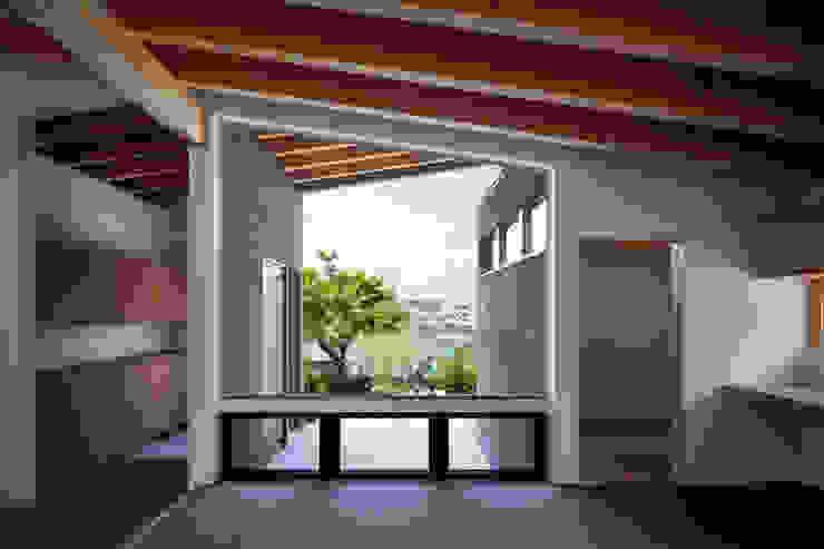 Вікна by  井上久実設計室,