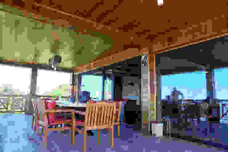 Gürsoy Kerestecilik Rustikaler Balkon, Veranda & Terrasse Holz