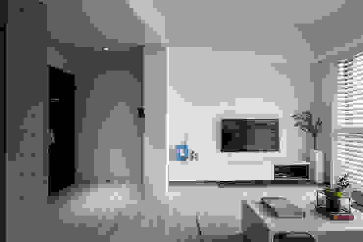 Water Blue 斯堪的納維亞風格的走廊,走廊和樓梯 根據 寓子設計 北歐風