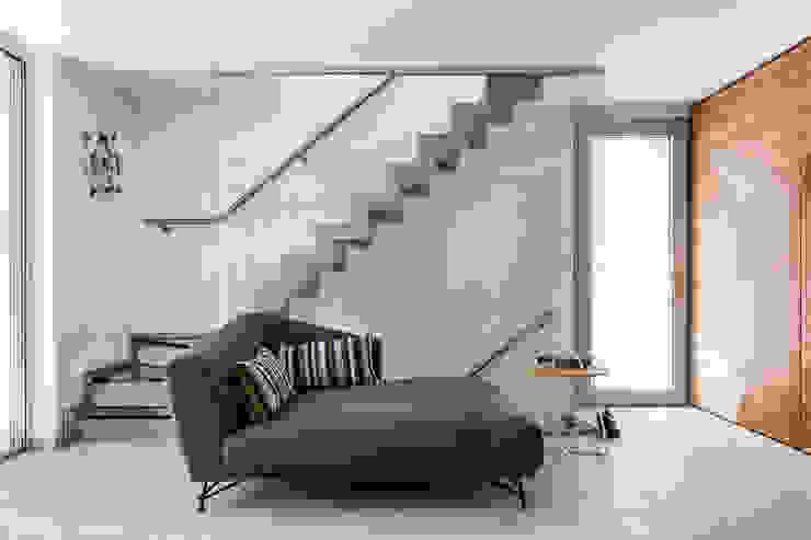 Livings modernos: Ideas, imágenes y decoración de Elia Falaschi Fotografo Moderno
