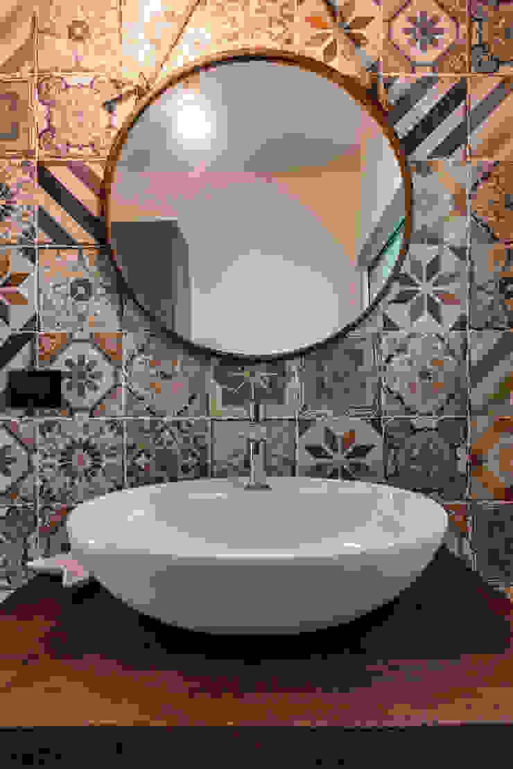 Baños modernos de Elia Falaschi Fotografo Moderno