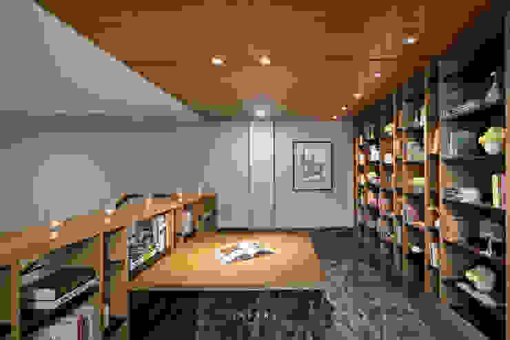 Library:modern  oleh INERRE Interior, Modern