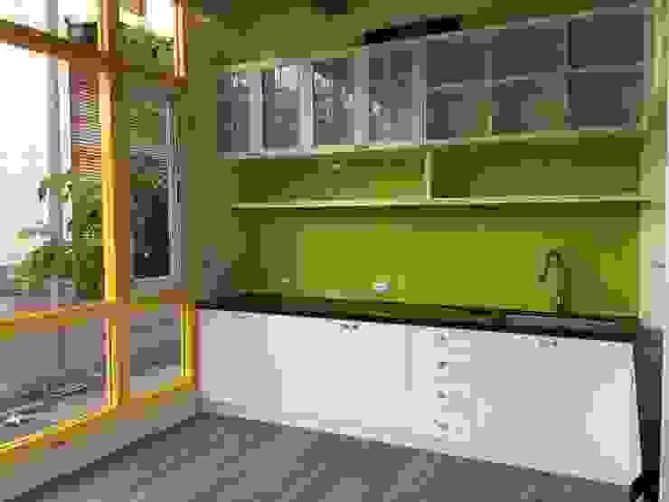 增建陽光屋作為餐廳 根據 houseda 隨意取材風 玻璃