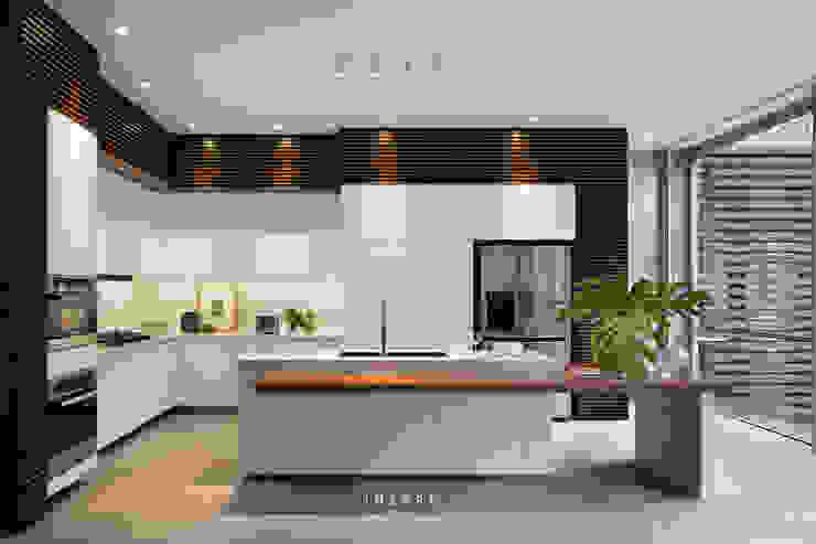 AJ Residence by INERRE Interior Modern