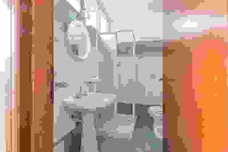 Anna Leone Architetto Home Stager Mediterranean style bathroom